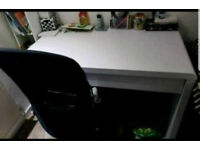 White high gloss desk. Excellent quality