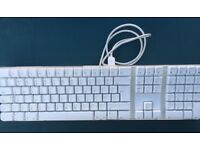 Apple keyboard - great condition - bargain at £10