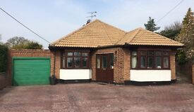 Multi-functional 5 bedroom property for sale set in approx 1.1 acres of land with outbuildings