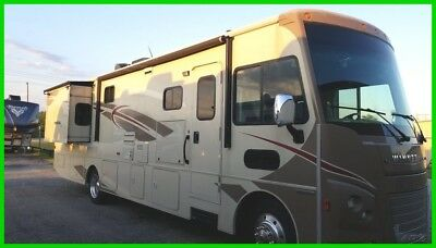 2016 Winnebago Vista LX 35F, 35', 2 Slide outs, 1 Awning, Sleeps 5-7