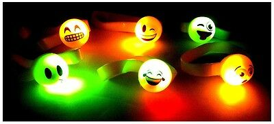 LED LIGHT UP FLASHING EMOJI EMOTICON SMILEY FACE RUBBER BRACELET RAVE PARTY - Flashing Smiley