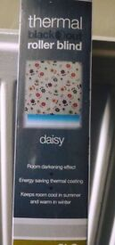 thermal blackout blinds x 2 new BNIP DAISY pattern