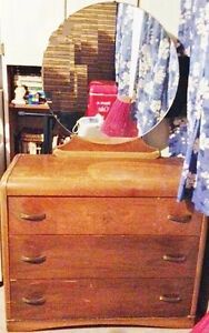 Old Oval Mirrored dresser