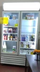 2 door fridge in good condition
