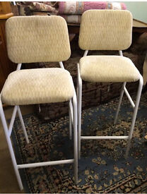 Pair Of cream kitchen breakfast bar stools chairs retro style