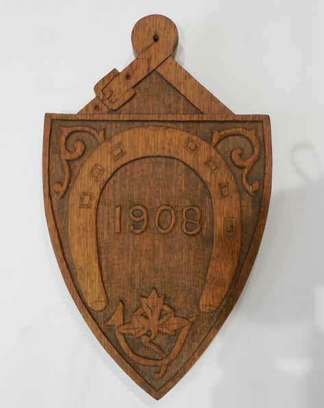 ANTIQUE CARVED OAK PLAQUE W/ CARVED 1908 DATE - RARE