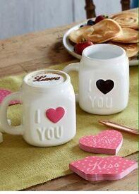 Set of 2 ceramic mugs!