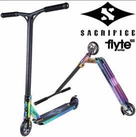 Sacrifice Flyte 100 Neo Chrome . RRP £229.99.
