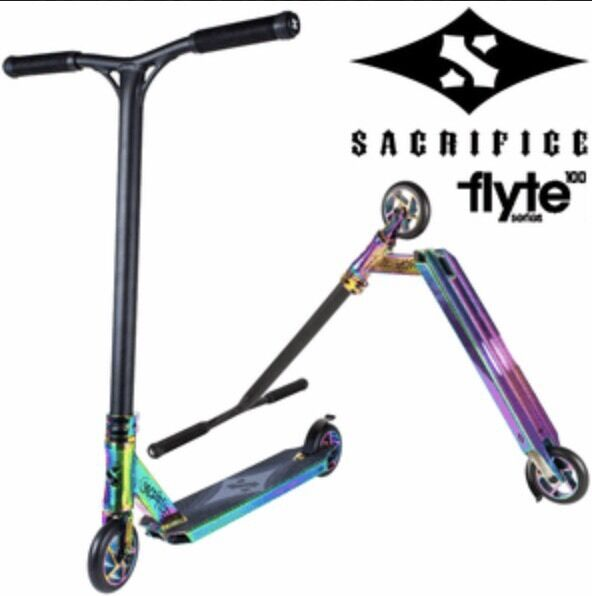 Sacrifice Flyte 100 Neo Chrome . RRP £229.99.