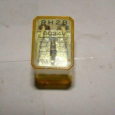 1 Pc. Idec Rh2b-u Relay Used