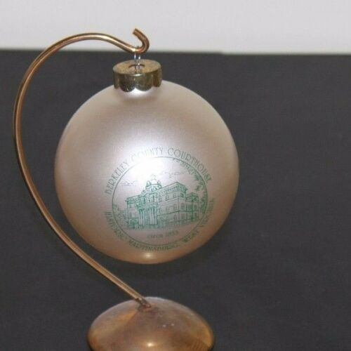 Martinsburg WV Berkeley County Courthouse Christmas ornament 1993 bulb