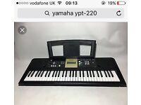 Yamaha YPT 220