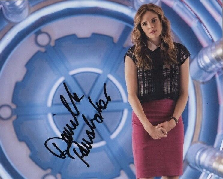 Danielle Panabaker The Flash Autographed Signed 8x10 Photo COA #A21