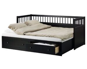 Slightly used Solid Wood 2 Single Beds in-1 Day Bed w/2 drawers