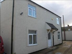 2 bed detached house with private parking