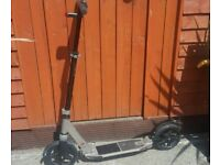 DECATHLON OXELO TOWN 7 Folding Adult Scooter For Sale (comes with Electric flashing light)