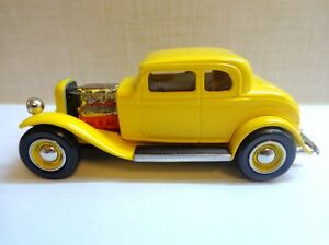 DURHAM CLASSICS CC01B 32 FORD HOT ROD YELLOW