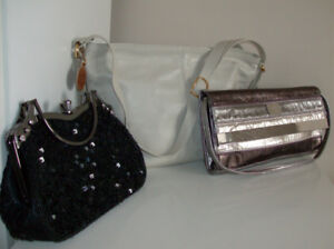 Bargain !!  4 NEW Purses and 2 Tote Bags (one tote bag is new)