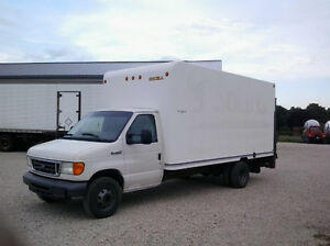2006 Ford E450 Cube Van (dock height gate)