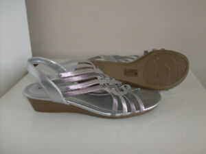 NEW Tiffany Style Purse & Silver Naturalizer Sandals Size 6