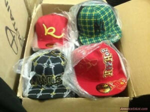 "GRAND LOT CASQUETTES NEUVE STYLE YO ""FITTED"" ,5$CH VENTE EN GROS"