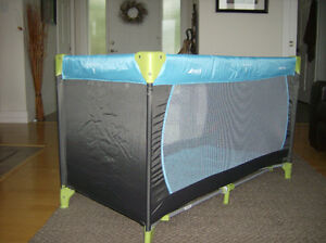 Hauck Dream'n Play child play pen and baby travel bed