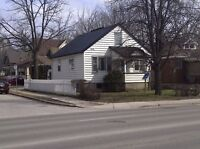 3-BDRM Close to University and Downtown