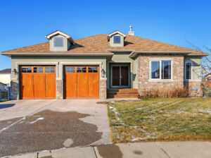GORGEOUS FULLY-FINISHED BUNGALOW WITH A  PIE LOT!