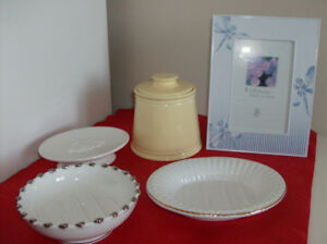 3 Soap Dishes + New Martha Stewart Container + Artist Lamp