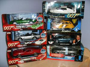 1/18 diecast neufs James Bond a 60$ chaque.