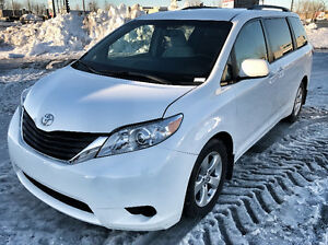 2016 Toyota Sienna LE Fourgonnette Groupe Electric Mag Prix Firm