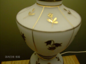 Vintage Lamp, White with Gold Embossed Flowers, Brass Base Stratford Kitchener Area image 3