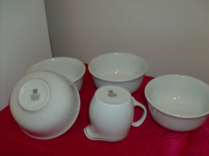 Steelite Restaurant Quality - Soup Bowls and Creamer