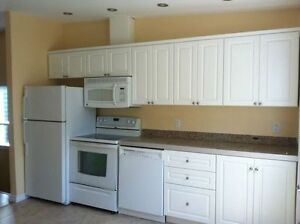 BRIGHT NEW OPEN CONCEPT, GRANITE, 6 APPLIANCES, DOG OK, CENTRAL