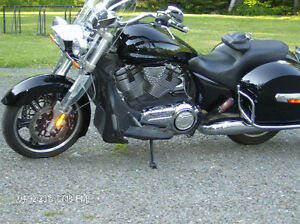 rare 2011 victory cross roads bagger 6 speed