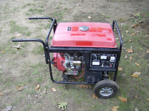 King 6500 / 5500 watt Generator with Electric start 13HP