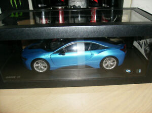 1/18 DIECAST Paragon Models  BMW i8 NEW IN BOX.