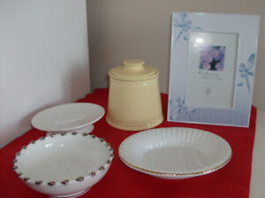 4 Items - 3 Soap Dishes + Martha Stewart Container