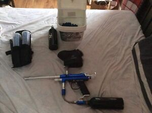 Mint paint ball gun $200$