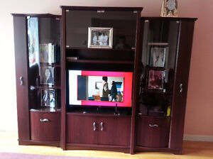 Meubles TV / TV Stand Furniture WITH GLASS SHOWCASES. $399
