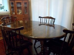 Quality build dining room table