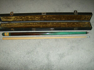 Vintage Dufferin Pool Cue with Dufferin Case