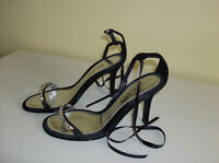 (NEW) Aldo Ladies Shoes - Very Classy with Bling  Size 6-6.5