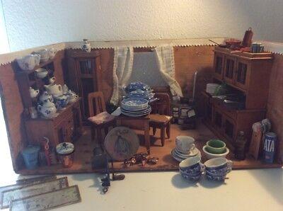 Sehr schöne Antike Puppenküche aus der Zeit um 1900
