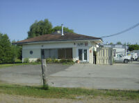 COMMERCIAL / RESIDENTIAL INDUSTRIAL BUILDING FOR SALE.