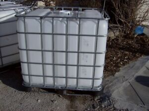 FOR SALE 1000 L FOOD GRADE TOTES