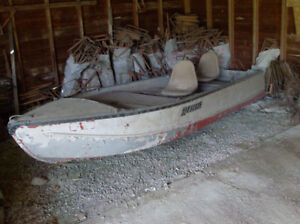 old bassboat, 16 ft  with trailer