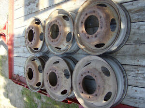 Roues Camion 19.5         8 Troues
