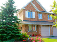 NEW LOW PRICE!!! End-unit townhouse for sale in Orleans - Avalon
