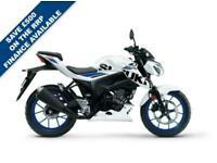 SUZUKI GSX-S125 BRILLIANT WHITE / TITAN BLACK